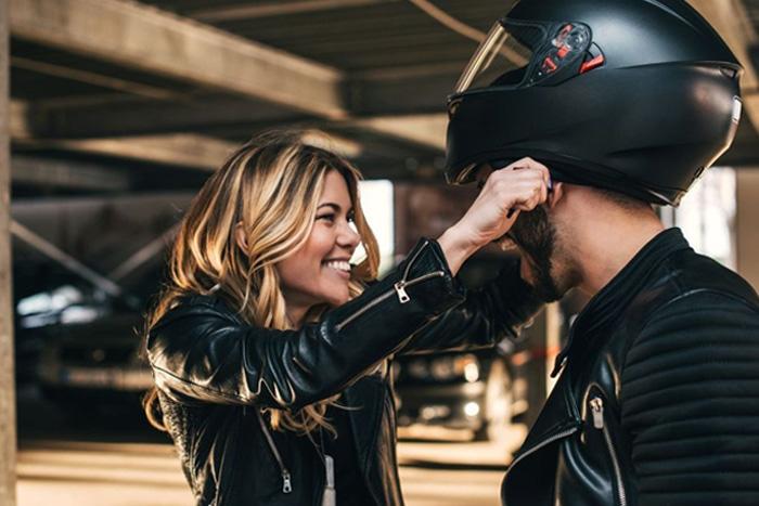 3 de cada 10 motociclistas no usan casco o lo usan mal