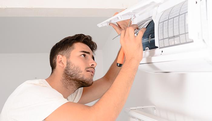 Limpiá vos mismo tu aire condicionado con estos simples pasos