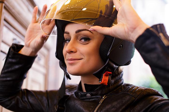 ¿Cómo limpiar el casco de moto? ¡Sencillos tips!