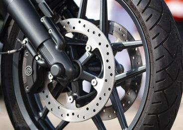 3 claves para elegir las pastillas de freno perfectas para tu moto