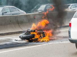 ¿Qué hacer si tu moto se incendia? Tips de Seguridad