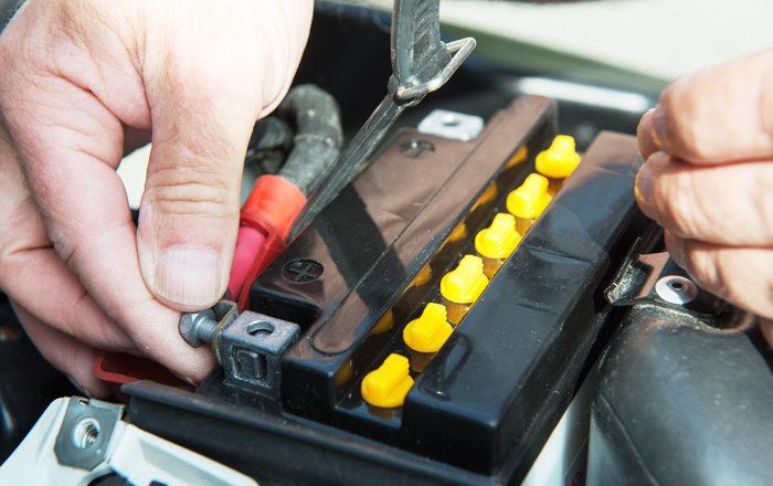 ¿Cómo prolongar la batería de la moto?
