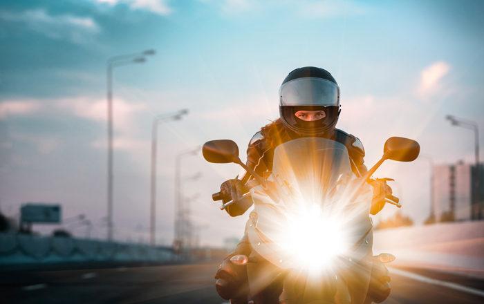 Tips para aumentar los reflejos al conducir moto