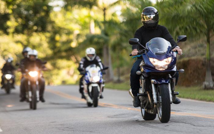 Caravanas de moto: Consejos para manejar seguro